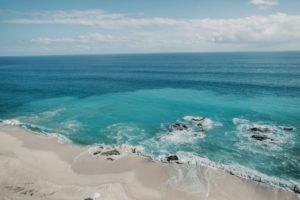 Meditación frente al mar en Grand Velas Los Cabos