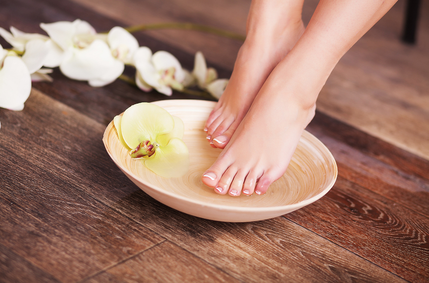 Técnicas para realizar un baño de pies casero