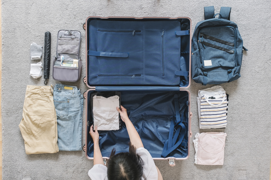 Learn to pack light for your trips, it will make your vacation more confortable
